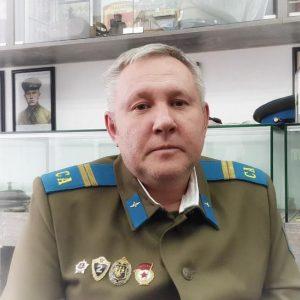 Антону 50 лет